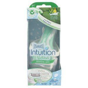 Wilkinson Rasoir intuition naturals sensitive, mousse et hydrate pendant lerasage.