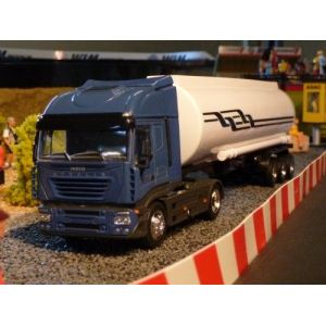 New Ray 15623 A - Camion Iveco Stralis Petroleum - Echelle 1/43