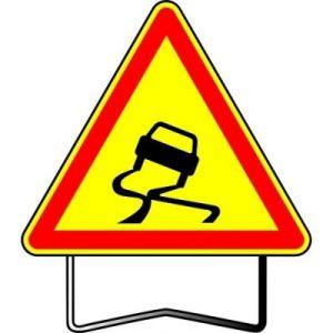 Taliaplast 522403 - Panneau signalisation danger chaussée glissante ak4 t1 700mm