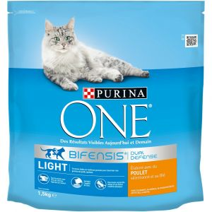 Purina ONE - Croquettes light- Pour les chats - 1,5kg