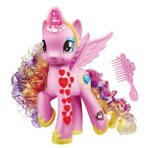 Hasbro My Little Pony Princesse Cadance Coeurs lumineux