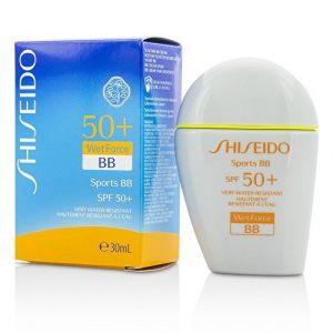 Shiseido Sports BB Light - Hautement résistant à l'eau SPF 50+