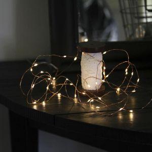 Image de Xmas Living Glass DEW DROPS - Guirlande Cuivre 40 LED L3,9m - Guirlande et objet lumineux designé par