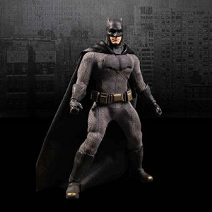 Mezco Figurine Batman V Superman - Batman 25 cm