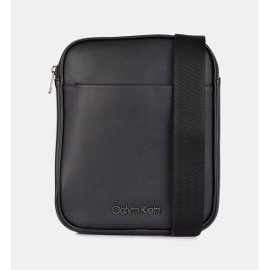 Calvin Klein Central Flat - Sac bandoulière - Noir