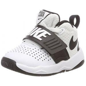 Nike Team Hustle D 8 (TD), Chaussures de Basketball Mixte Enfant, Blanc (White/Black 100), 23.5 EU
