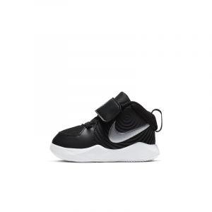 Nike Chaussure Team Hustle D 9 pour Bébé - Noir - Taille 27 - Unisex
