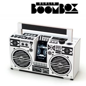 Studio Axel Pfaender Berlin Boombox - Enceinte Dock filaire pour smartphone/baladeur