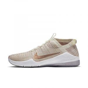 Nike Chaussure de training Air Zoom Fearless Flyknit 2 Metallic pour Femme - Crème - Couleur Crème - Taille 40.5