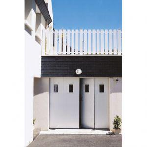 Ouest Fermeture Porte de garage 4 vantaux en PVC avec hublots (200 x 240 cm)