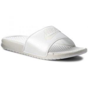 new style 5e9ff 9bab3 Nike Claquette Benassi Metallic QS pour Femme - Blanc - Taille 36.5 - Femme