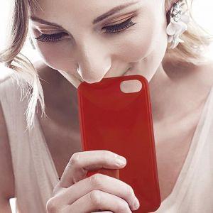 KSIX Coque de protection Sense Aroma - Parfum Fraise pour Iphone 7 Rouge - Coque de protection amusante illuminant - Antidérapant: améliore la prise de votre appareil - Protection contre les rayures et anti-poussière - Accès aux connecteurs et caméras de