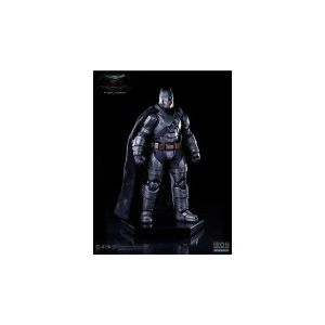Semic Distribution Batman V Superman Dawn Of Justice Statuette 1/10 Armored Batman 20 cm