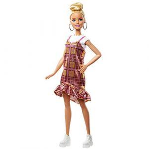 Mattel Fashionistas poupée mannequin #142 au chignon haut et avec une robe écossaise brillante rose et dorée, jouet pour enfant, GHW56