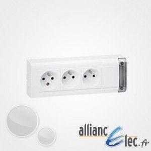 Legrand Bloc multiprise fixable 3x2P+T à câbler 208 mm