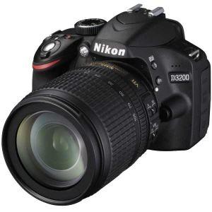 Nikon D3200 (avec objectif 18-105mm)