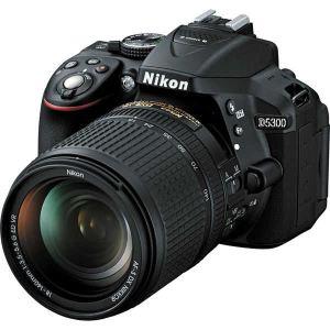 Nikon D5300 (avec objectif 18-140mm)