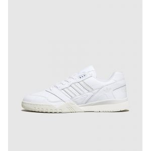 Adidas Chaussures A.R. TRAINER / BLANC blanc - Taille 42,44,41 1/3,43 1/3,45 1/3,42 1/3
