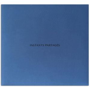 """Toga Album 30x30 Tissu Bleu """"""""Instants Partages"""""""""""" - Monté avec 10 pochettes transparentes et 2 vis - Modulable."""
