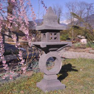 Wanda-collection Lanterne japonaise pagode zen en pierre de lave 105 cm