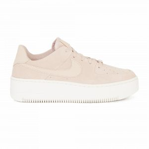 Nike Chaussure Air Force 1 Sage Low pour Femme - Crème - Taille 41