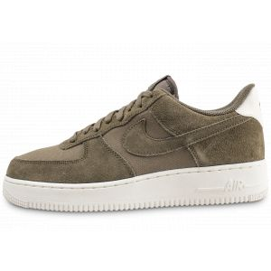 Nike Chaussure Air Force 1'07 Suede pour Homme - Olive - Taille 45