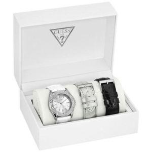 Guess W0069L1 - Coffret montre pour femme avec 3 bracelets