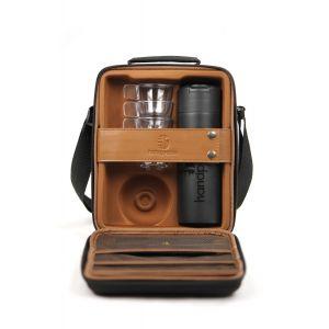 Handpresso 48242 - Set outdoor complet avec valisette de 1 bouteille isotherme 300 ml + 4 tasses + 2 serviettes