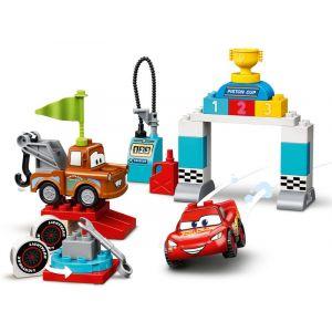 Lego DUPLO & Disney Cars 10924 Le jour de course de Flash McQueen