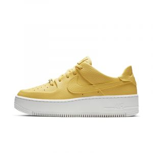 Nike Chaussure Air Force 1 Sage Low pour Femme - Or - Taille 43 - Female