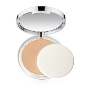 Clinique Almost powder makeup 03 Light - Teint poudre naturel SPF 15