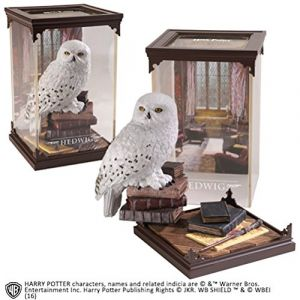 The Noble Collection Harry Potter Statuette Magical Creatures Hedwig 19 cm