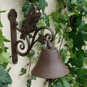 Esschert design BA01 - Cloche de porte Papillon en fonte