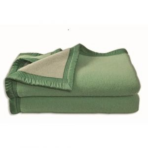 Poyet motte Couverture Aubisque en laine woolmark 220x240 cm amande et tilleul
