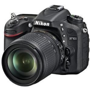 Nikon D7100 (avec objectif 18-105mm)
