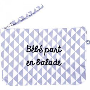 BB & Co Pochette bébé plastifiée Bébé part en balade gris et blanc