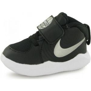 Nike Chaussures enfant Baskets Team Hustle D9 Noir - Taille 21,22,25,26,27,23 1/2,19 1/2