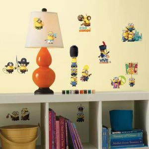 ROOMMATES 16 stickers repositionnables les Minions
