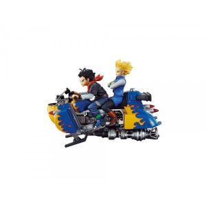 Figurine Dragon Ball Z : Real Mccoy C-17 & C-18 Airbike (15 cm)