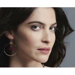 Boucles d'oreilles - Cercle avec pompons et perles à facettes.
