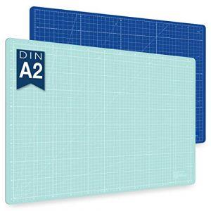 Guss & Mason tapis de découpe auto-cicatrisant A2, bleu, rose ou vert. Parfait pour la couture, le bricolage et le patchwork. 60 x 45 cm, double face indications en cm et pouces (Sidekick Markets GmbH, neuf)