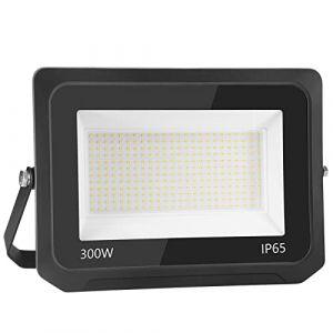 300W 30000LM Projecteur LED Lumières Extérieures 3500K Super Lumineux Blanc Chaud Lampe Projecteur Spot LED Puissant Projecteur LED Extérieur IP65 Etanche Câble 0.75M [Classe énergétique A++] (NATUR, neuf)
