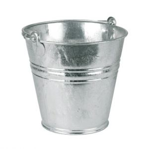 Seau galvanisé à eau, pour chenil et chien.