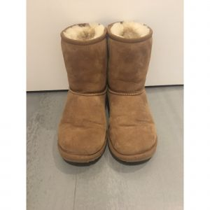 Bottines UGG daim beige 34