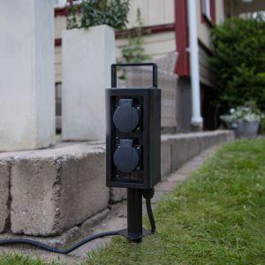 Colonne de prises Plugge avec câble fiche, piquet