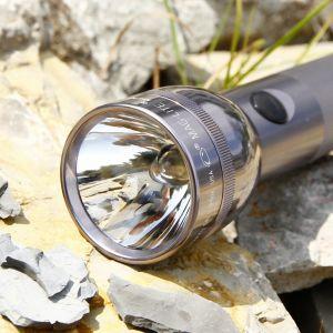 Fonctionnelle lampe de poche 2 D-Cell Maglite