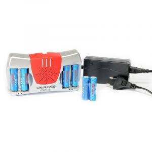 Chargeur ultra rapide batteries 1,2V AA/AAA + 6 accus LR06/AA 2100 mah - Ref : RC104059 - UNIROSS