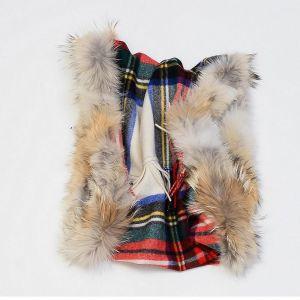 Écharpe à carreaux en laine et fourrure de coyote