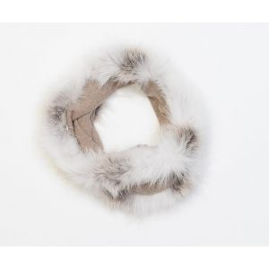 Écharpe beige en laine et fourrure de renard