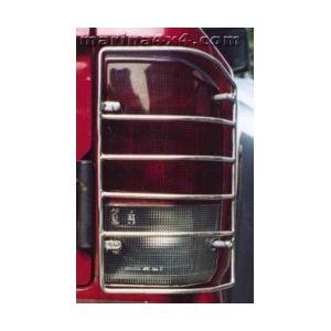 PROTECTION FEUX ARRIERE INOX SUR AILE NISSAN PATROL GR - 1997 ( X2 )